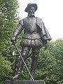 Sir Walter Raleigh statue.jpg