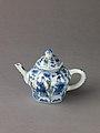 Small covered wine pot or teapot MET SLP1730-1.jpg