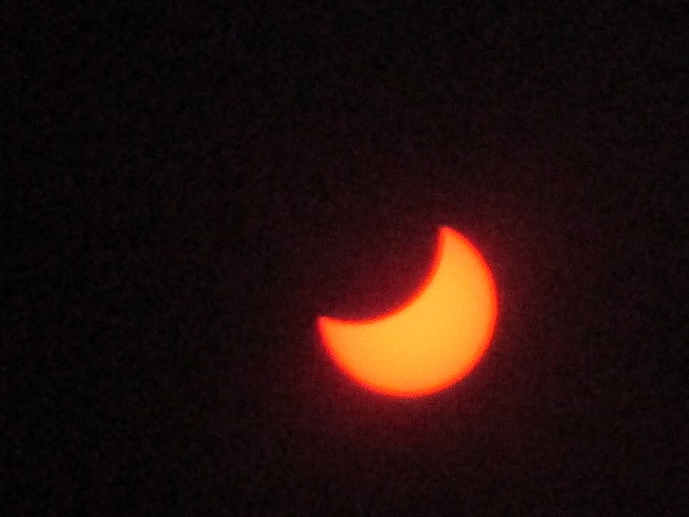 Solar eclipse as seen from Mira Mesa, San Diego, California.jpg