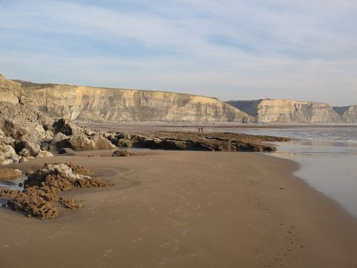Southendown beach looking towards llantwit major when tide was out - panoramio