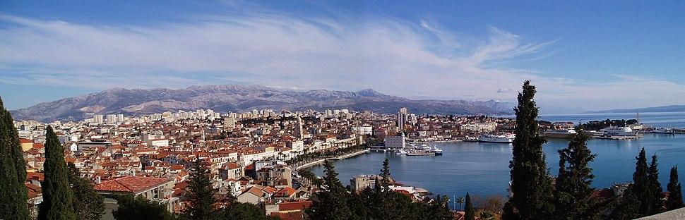 Panoramatická fotografia mesta Split