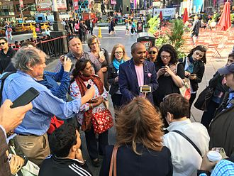 Sreenath Sreenivasan - Sree Sreenivasan teaching a social media class in Times Square, NYC