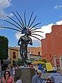 Statue eines Indios in Queretaro fcm.jpg
