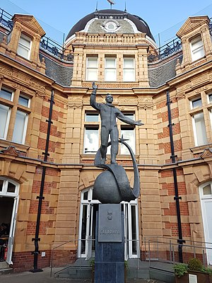 Statue of Yuri Gagarin, Greenwich - Image: Statue of Yuri Gagarin at the Royal Observatory in Greenwich