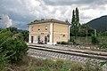 Stazione ferroviaria di Contigliano - vista complessiva da dx 01.jpg