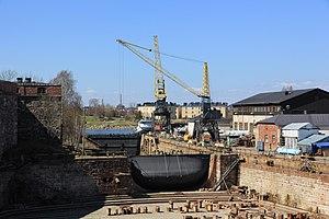 Suomenlinnan telakan pieni allas.JPG