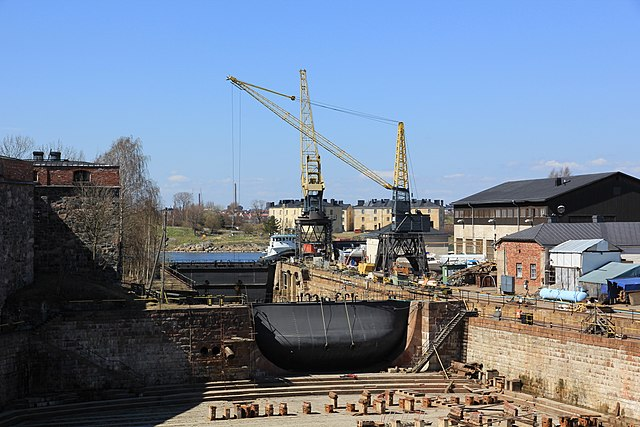 File Suomenlinnan telakan pieni allas JPG  Wikimedia Commons
