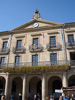 Tafalla - Plaza de Don Francisco de Navarra 11.jpg