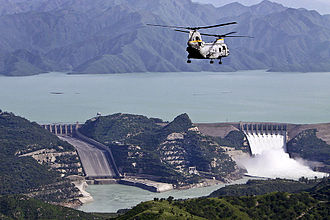 Pakistan–United States military relations - Image: Tarbela Dam during the 2010 floods