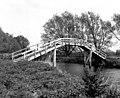 Tenfoot Bridge, River Thames - geograph.org.uk - 573019.jpg