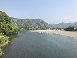 Tenshu of Iwakuni Castle, Kintaikyo Bridge and Nishikigawa River from Garyubashi Bridge 3.jpg