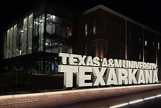 Texas A&M University–Texarkana - Image: Texas A&M University Texarkana Academic and Student Services Building