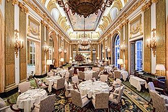 Royal Automobile Club - The Great Gallery restaurant at the Pall Mall clubhouse.