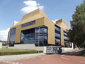 The Hive - University of Worcester (20482152465).jpg