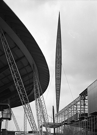 Skylon (Festival of Britain) - The Skylon at the Festival of Britain, 1951 BW Lee (1)