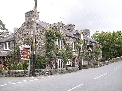 The Victoria Inn at Llanbedr (geograph 2559687)