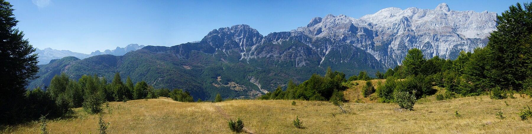 Thethi Mountains Panorama.jpg