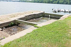 Tidewater Lock - Image: Tidewater lock, downstream (outlet) gate pocket detail