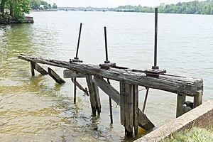 Tidewater Lock - Image: Tidewater lock waste weir remains (Rock Creek) at end of Chesapeake and Ohio Canal