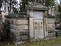 Tomb of Hochberger family (1).jpg