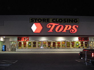 Tops Friendly Markets - Store closing in Tallmadge, Ohio, which later became an Acme Fresh Market store