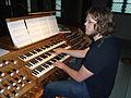 Torkil Skille ved Mühleisen-orgelet i Trefoldighetskirken i Arendal.jpg