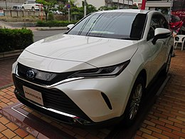 "Toyota HARRIER HYBRID Z""Leather Package""2WD (6AA-AXUH80-ANXSB(S)) front.jpg"