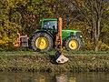 Traktor am MD-Kanal 082298.jpg