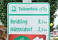 Tullnerfeld cycling route sign, Heiligeneich.jpg