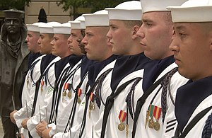 Ascot tie - Image: US Navy 030708 N 5862D 186 Members of the U.S. Navy Ceremonial Guard stand in formation next to the Lone Sailor statue at the U.S. Navy Memorial