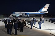 US Navy 061230-F-0194C-006 The casket of Gerald R. Ford, 38th president of the United States, arrives at Andrews Air Force Base, Md., Dec. 30, 2006