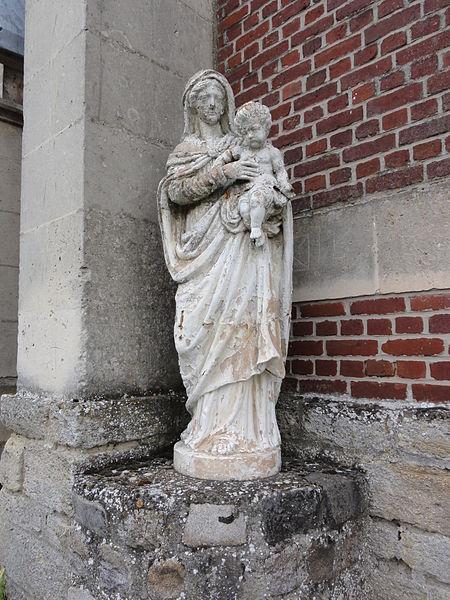 Vendeuil (Aisne) église extérieur, statue madonna et enfant