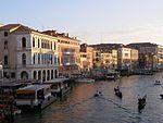 Venezia Canal Grande z Rialto 3.jpg