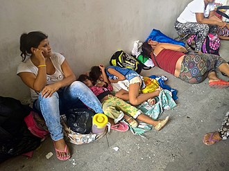 Bolivarian diaspora - Venezuelan refugees sleeping on the streets of Cúcuta, Colombia