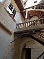 Vieux tours, 24,26 place du Grand Marché , escalier-galeries 17èm siècle.jpg