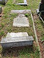 Vingoe, W H and his wife, grave.jpg