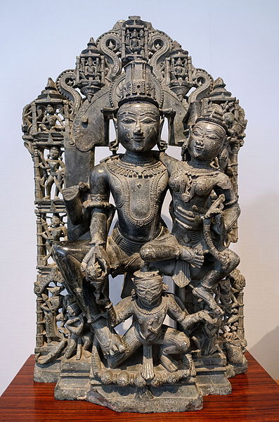 File:Vishnu and Lakshmi, West India, c. 12th century AD, chlorite - Matsuoka Museum of Art - Tokyo, Japan - DSC07153.JPG