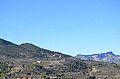 Vista cap al castell de Penella des de Benilloba.JPG