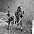Voorbereiding tentoonstelling in Stedelijk Museum, Bestanddeelnr 912-1979.jpg