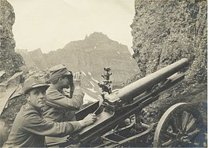 Cannone da 65/17 modello 13 - A Mountain artillery unit with a 65/17 modello 13 gun on Monte Padon firing at Austrian positions on the Sass di Mezdi