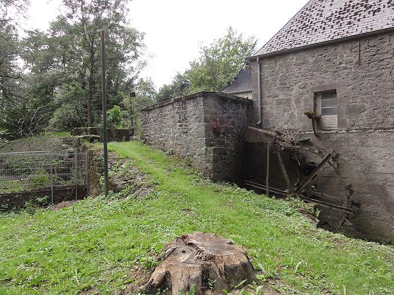 Wallers-en-Fagne (Nord, Fr) moulin sur l'Helpe Majeure