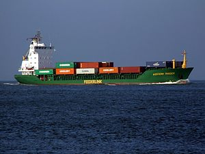 Western Trader IMO 9031416 - Callsign V2IO at Rotterdam.JPG