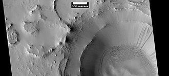 Cassini (Martian crater) - Image: Wikicassinilayers ESP 028919 2030
