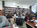 Wikipedistas trabajando en el Editatón 'Wikipedia ama el cine' 08.JPG