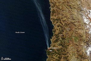 Wildfire burns Valparaíso, Chile (small).jpg