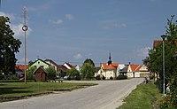 Zisov village in Tabor District in 2011.JPG