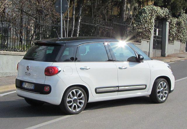 """ 13 - ITALY - Fiat 500L white at Verona bicolor car"