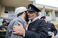 اهداء پرچم حرم علی بن موسی الرضا به هیئت ها یا موکب های مستقر در شهر مهران در ایام پیاده روی اربعین 22.jpg
