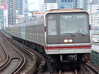 Midōsuji Line - A Midōsuji Line 21 series train in April 2015