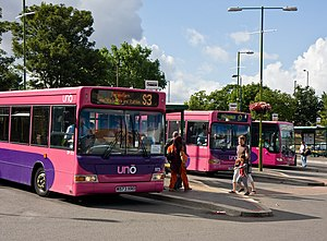 Uno (bus company) - Uno buses at St Albans in July 2010